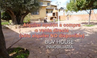 Casa adosada de alquiler con opción a compra en Serranillos del Valle