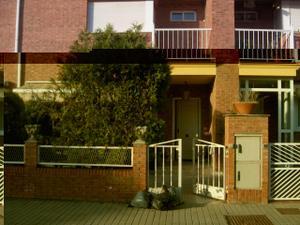 Alquiler Vivienda Casa adosada urbanización aldama