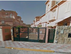 Casa adosada en Venta en Cristina Hoyos / Aljamar