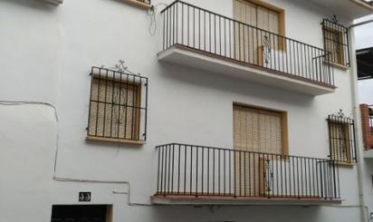 Viviendas y casas en venta en Alozaina