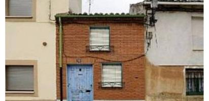 Chalets en venta con parking baratos en España