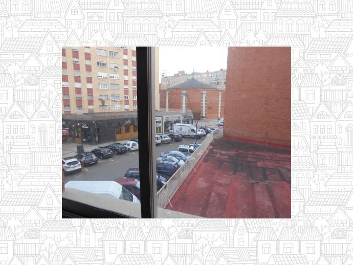 Piso en burgos capital en gamonal en calle plaza roma for Pisos alquiler burgos capital