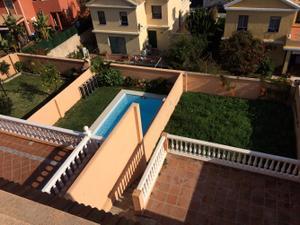 Casa adosada en Venta en Algeciras - San García- / San García