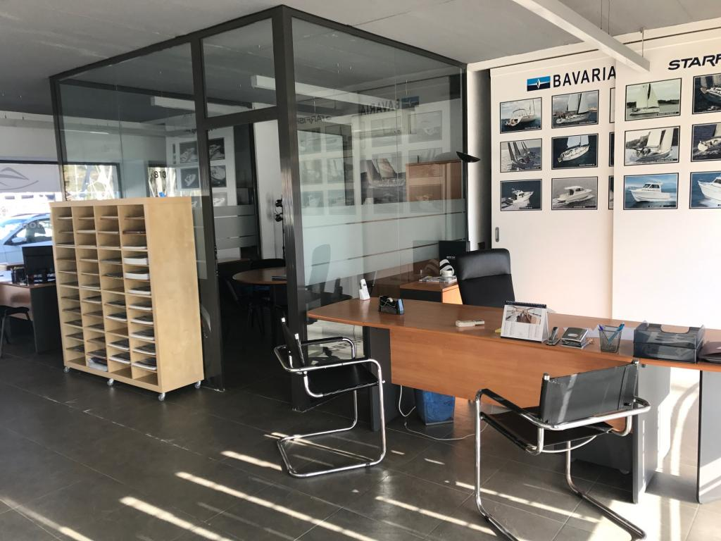 Büro  Paseo paseo marítimo. Local en la zona nueva de port ginesta