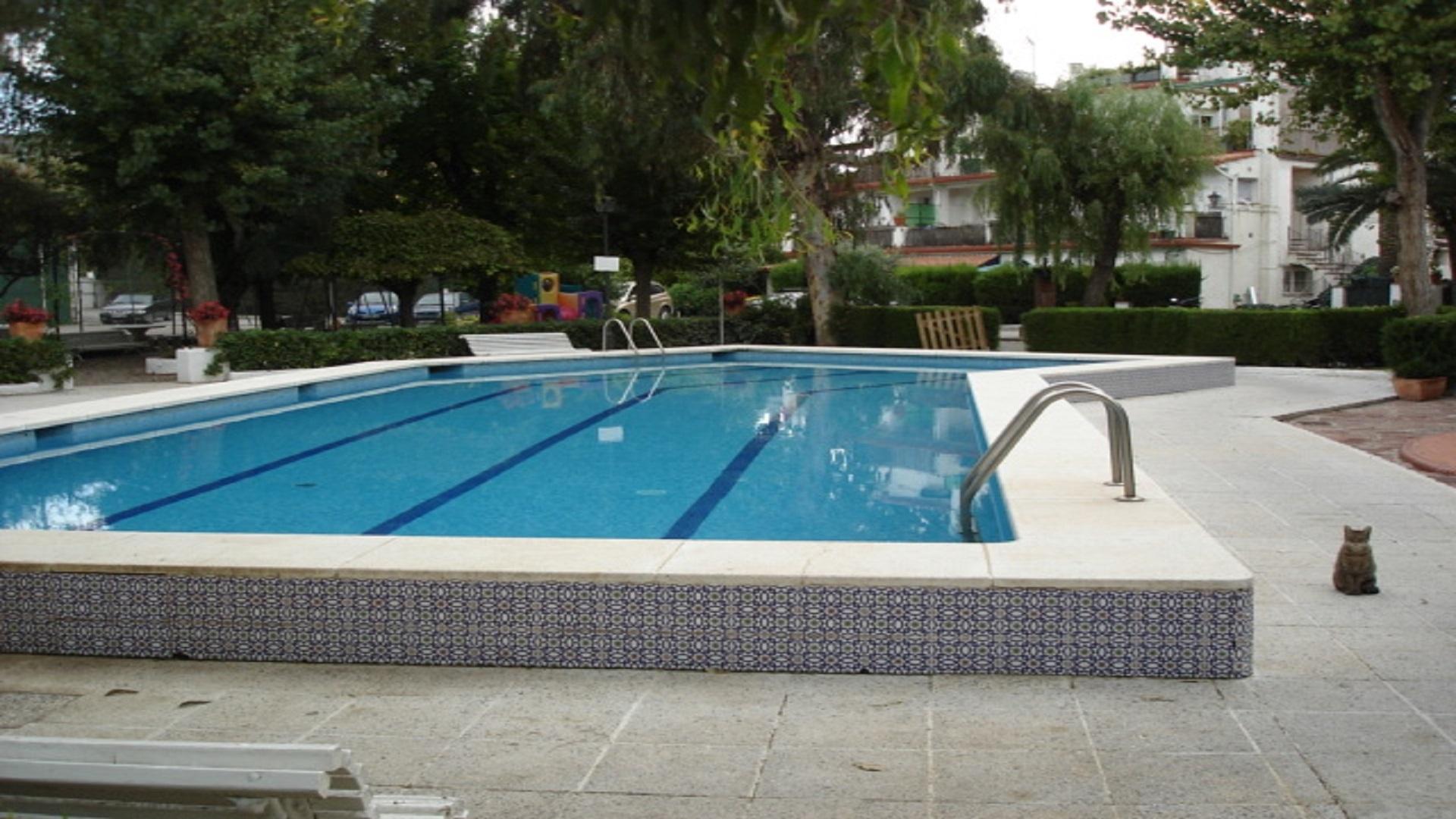 Piso  Castelldefels - montmar. Ático de diseño con piscina / con dos  amplias terrazas