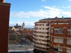 Flats to rent at Salamanca Capital