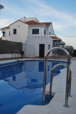 Venta Vivienda Casa adosada urbanización de lujo con piscina