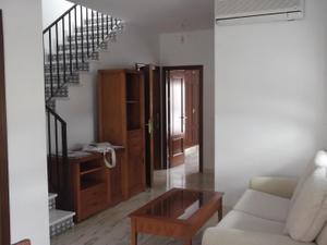 Casa adosada en Alquiler en Bormujos, Zona de - Bormujos / Centro