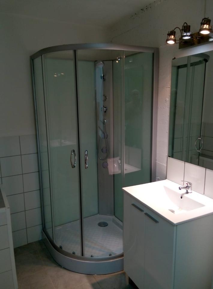 Lloguer Pis a Nucli Urbà. Apartamento en torre con entrada independiente, dispone de un sa