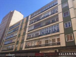 Piso en Alquiler en Burgos ,centro / Plaza España - Villa Pilar - Reyes Católicos - Vadillos