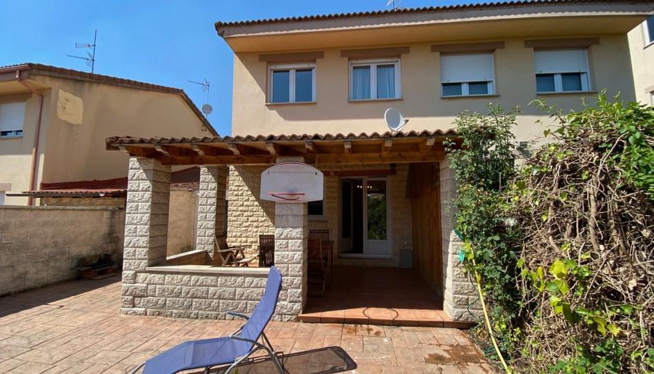 Foto 1 de Casa adosada en venta en Villariezo, Burgos