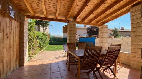 Foto 2 de Casa adosada en venta en Villariezo, Burgos