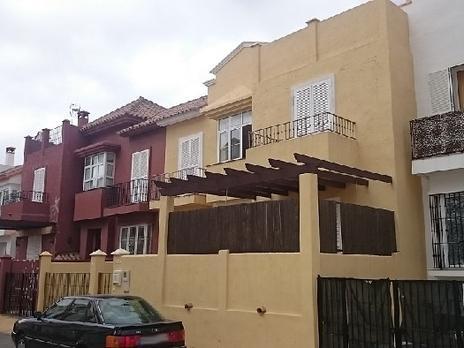 Einfamilien reihenhäuser zum verkauf Garage in España
