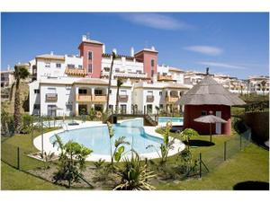 Piso en Venta en Urbanizacion Junto a Campo de Golf / Vélez-Málaga
