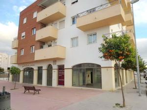 Local comercial en Venta en Edificio. Procedente de Banco. Bank Repossessed Property. / Vélez-Málaga