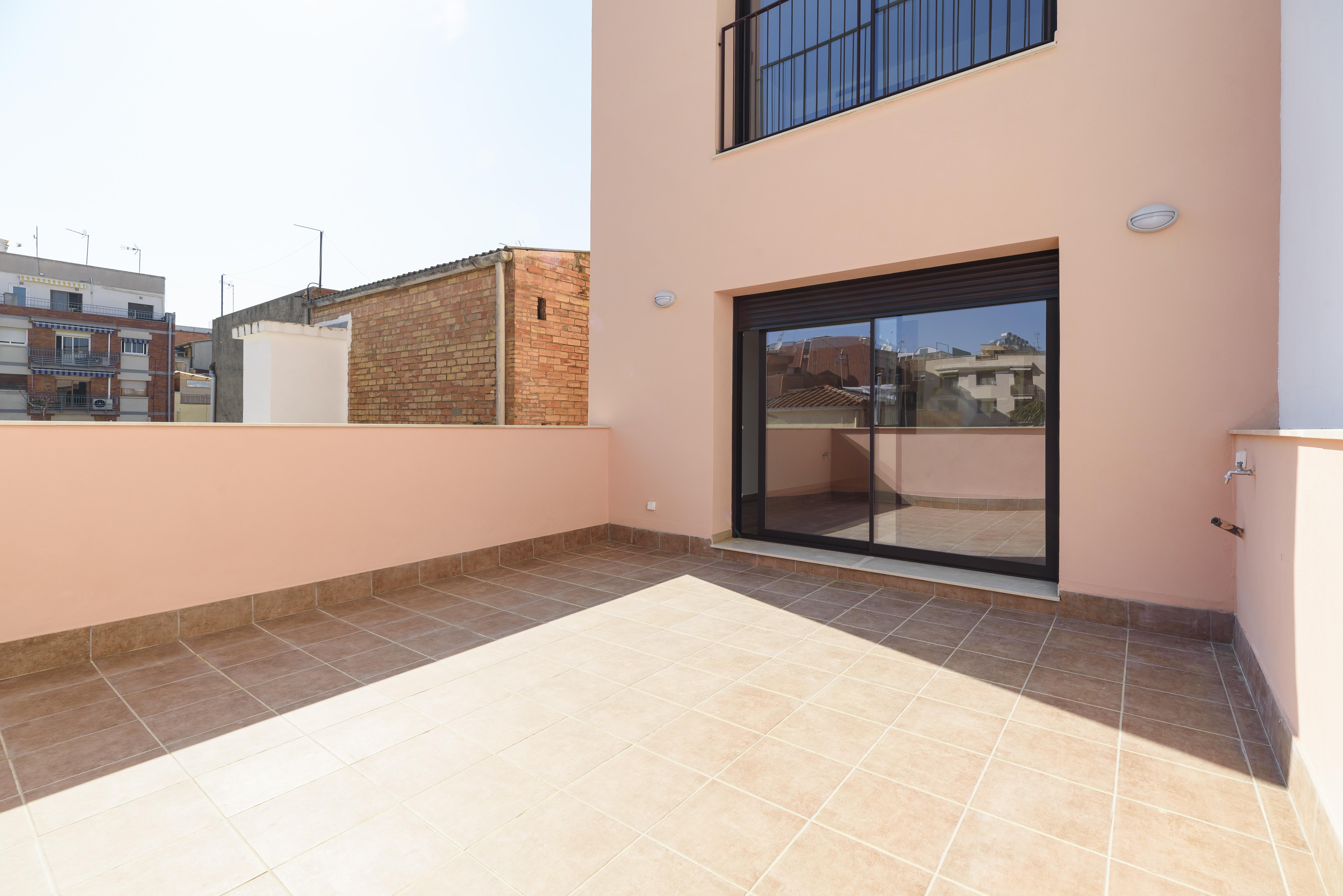 Piso  Calle catalunya. Obra nueva con terraza 22m²