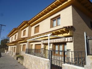 Chalet en Venta en Picota / La Adrada