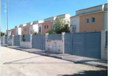 Casa adosada en venta en Los Pinares - La Masia