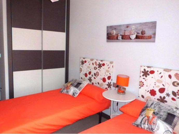 Foto 22 de Piso en La Torre. O. N. 100% Financiado. 3 Dorm. + Ga+ Tras+Piscina / Faitanar,  Valencia Capital
