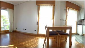 Venta Vivienda Apartamento antiguo, paseo de heriz. precioso apartamento con terraza y preciosas vistas. garaje cerrado doble.
