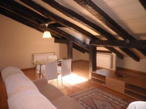 Alquiler Vivienda Apartamento precioso apartamento diáfano en bajo cubierta de reciente construcción,
