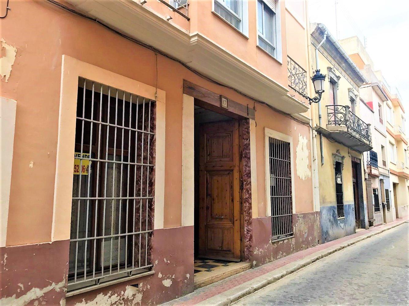 Casa  Calle castillo. Alg304- fincas girbés ofrece a la venta, casa señorial en albala