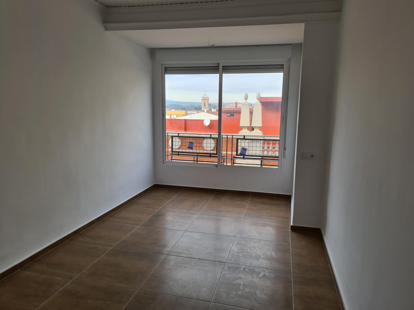 Rent Flat  Calle calle de san josé de calasanz. Alg642 - fincas girbés presenta piso en la calle san jose de cal