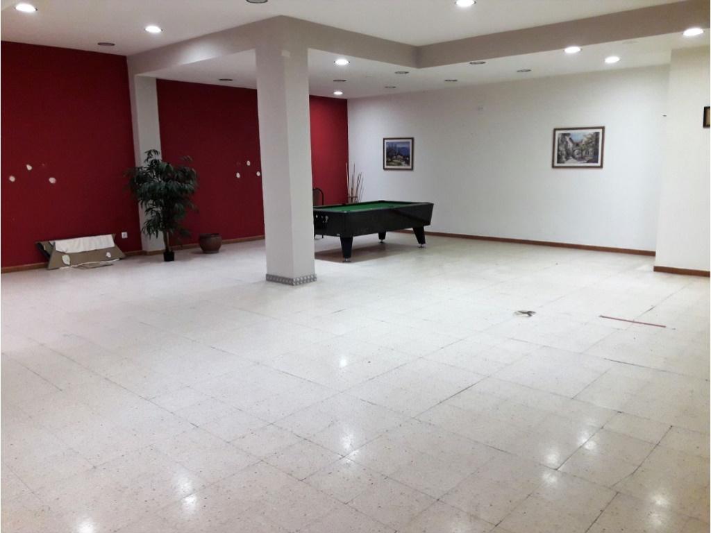Local Comercial  Prolongación miquel i mas, 48. Local de 300 m², anterior restaurante, calle principal de capell