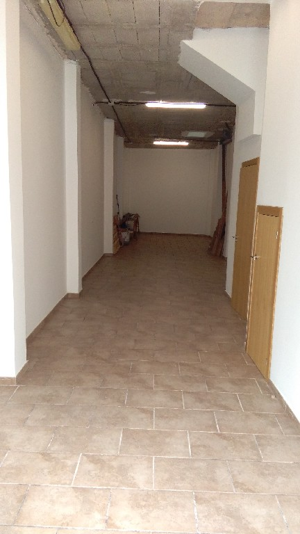 Alquiler Local Comercial  Vila-real - madrigal. Local en zona madrigal