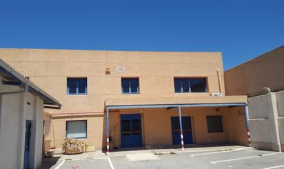 Edificios de alquiler en Alacantí