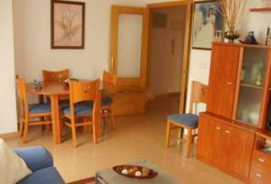 Piso en Alquiler en Zona Plaza Castilla, Garaje, Ascensor, Amueblado, 3 Habitaciones, 2 Baños, Galeria, Ba / Ciutat Universitària
