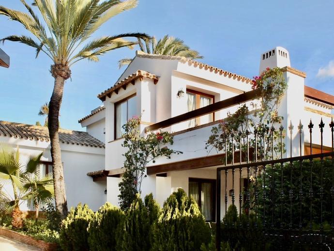 Foto 2 de Casa o chalet de alquiler vacacional en Cabo Pino - Reserva de Marbella, Málaga