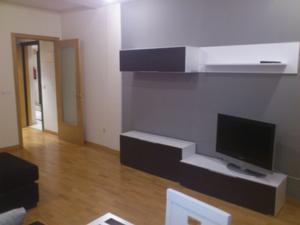 Estudio en Alquiler en Alzira - Centro-plaza Mayor-estudio Amueblado Moderno Calefaccion-aa Por Conductos, Parquet / Ayuntamiento - Centro