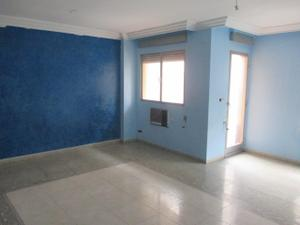 Piso en Venta en Carlet, Zona Cerca Instituto Eduardo Primo Parqués. Amplio Piso con Ascensor. / Carlet
