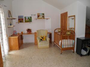 Alquiler Vivienda Casa adosada urbanicion cerrada centro estepona