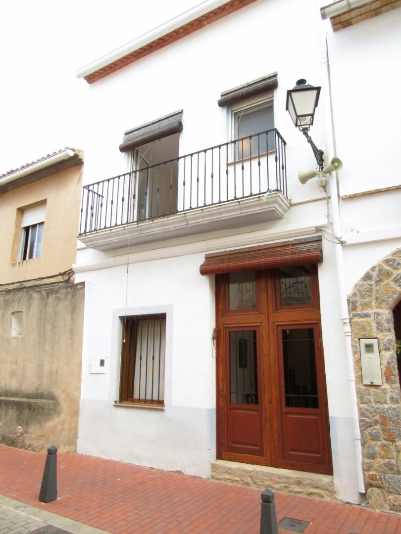 Alquiler Casa  Calle dalt, 9