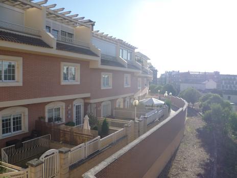 Casas adosadas de alquiler con terraza en Burgos Capital