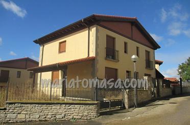 Casa adosada en venta en Calle Villalba de Losa, Berberana
