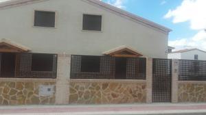 Casa adosada en Alquiler en Campo Verde / Carranque