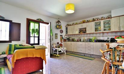 Casa adosada de alquiler en Sardina