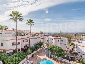 Estudios de alquiler con terraza en España