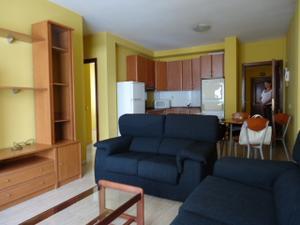 Alquiler Vivienda Piso alcaravaneras. 2 dormitorios. amueblado. plaza de garaje opcional.