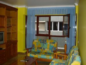 Piso en Alquiler en Plaza de Los Betancores. 2 Habitaciones y 2 Baños. Amueblado / Isleta - Puerto - Guanarteme