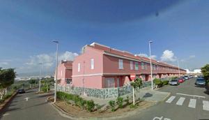 Chalet en Venta en Telde - Tablero del Conde. Dúplex de 3 Dormitorios, Baño, Aseo, Garaje y Trastero. / Telde