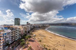 Ático en Venta en Canteras - Puntilla. 4 Dormitorios. Vistas Expectaculares. / Isleta - Puerto - Guanarteme