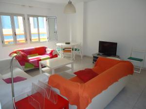 Piso en Alquiler en Mesa y López. Reformado. 3 Dormitorios, 2 Baños, Patio. / Isleta - Puerto - Guanarteme