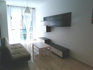 Piso en Alquiler en Santa Catalina. Dormitorio, Baño, Balcones. / Isleta - Puerto - Guanarteme
