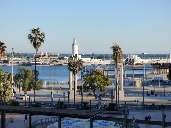 Foto 1 de Piso en Plaza De La Marina / Ensanche Centro - Puerto, Málaga Capital