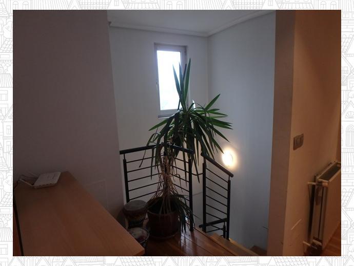 Photo 5 of Apartment in Street Estrada Vella De Santiago 84 / Parroquias Rurales, Lugo Capital