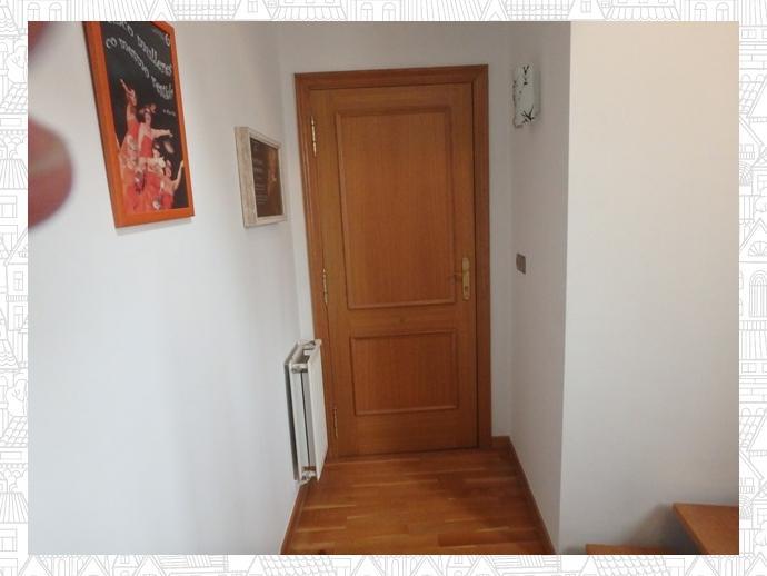 Photo 9 of Apartment in Street Estrada Vella De Santiago 84 / Parroquias Rurales, Lugo Capital